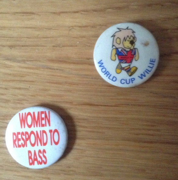 Renegade Soundwave 'Women Respond To Bass' badge (1990)